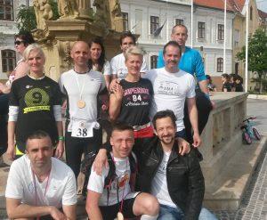 A képen hátsó sor, balról jobbra: Cseh Andrea, Németh János, Völler Ferenc. Középen: Perger Valéria, Andor József, Keszei Krisztina, Dr. Keszei András. Elöl: Kocsmár Tamás, Járfás Gyula, Büki Tivadar.